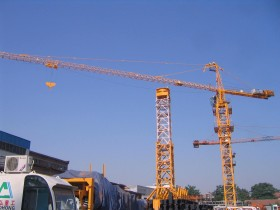 TOWER CRANES DIVISION - LUCLA